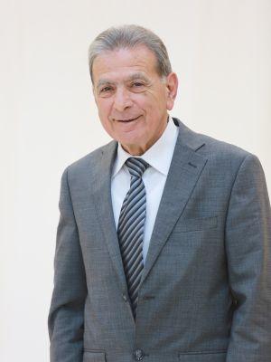 زاهي باســـيل عواد عضو مجلس الإدارة